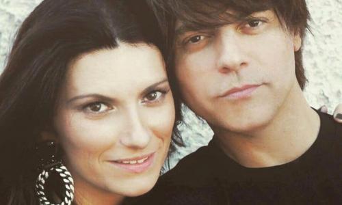 Laura Pausini, 16 anni d'amore con Paolo Carta: «Chi si ama lo sa»