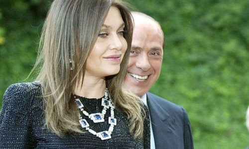 Berlusconi ricoverato, il messaggio di Veronica Lario