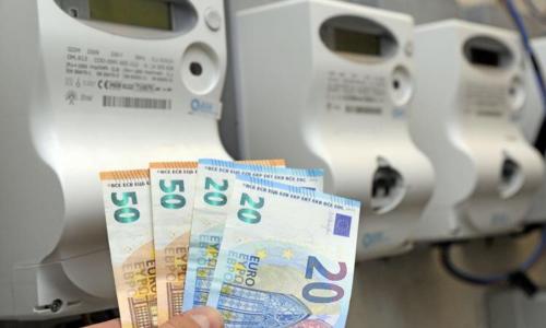 Aumento bollette, governo al lavoro: cè anche il bonus, a chi spetta