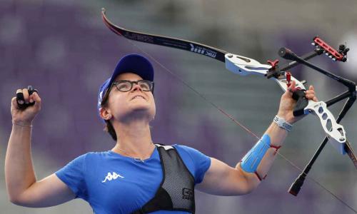 """Lucilla Boari alle Olimpiadi, chi è il bronzo storico nel tiro con l'arco (e quella vecchia polemica sulle """"cicciottelle"""")"""