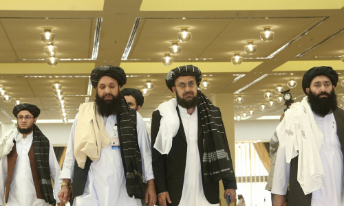 A Mosca il primo summit con talebani ma gli Usa danno forfait