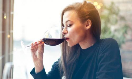 Perché bere alcool fa venire la tachicardia?